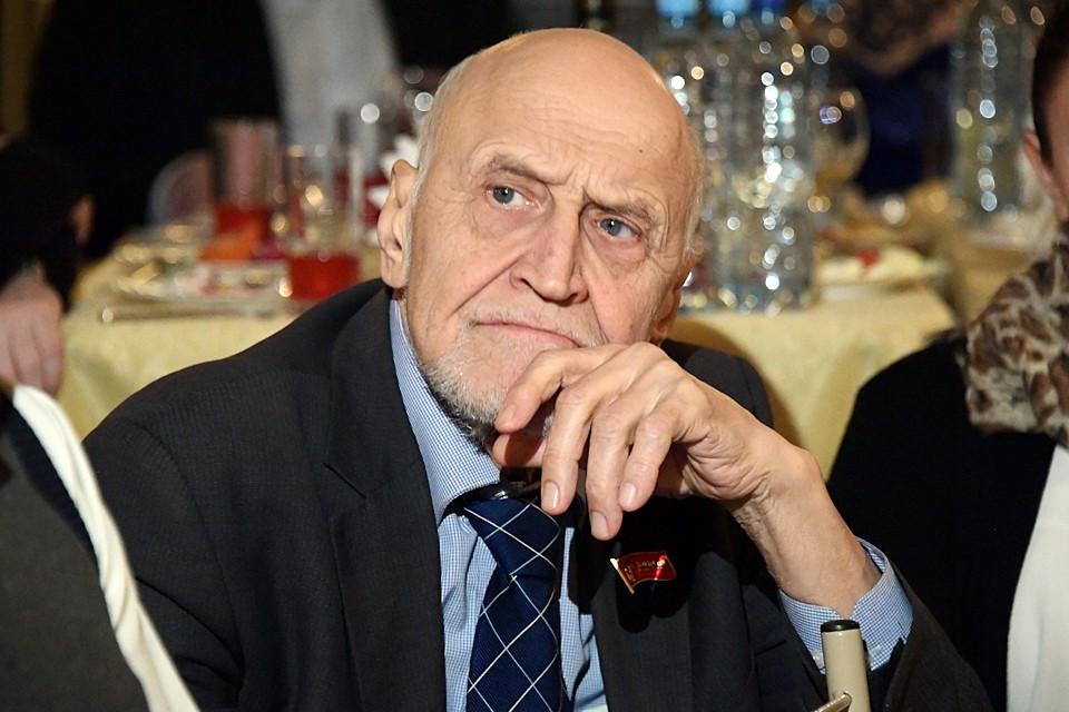 Телеведущий, зоолог Николай Дроздов