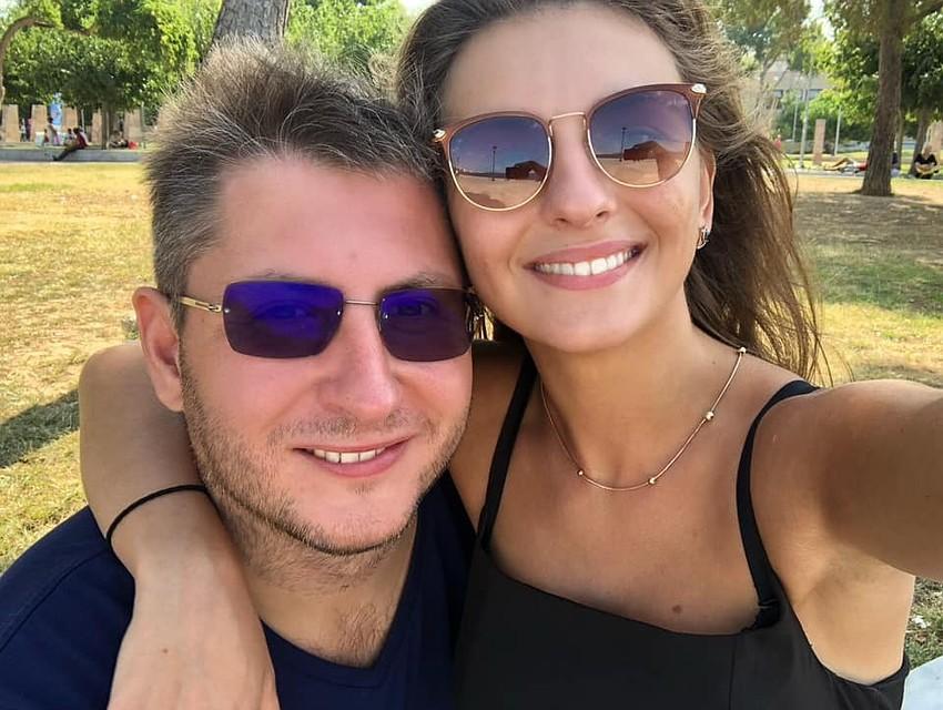 Таких откровений о страстной любви Молдова еще не слышала: Владелец Starnet Александр Македон отчаянно признался в любви к девушке и попросил ее не уходить