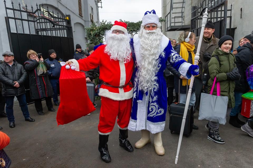 Дед Мороз и финский волшебник Йоулупукки встретились в Петербурге