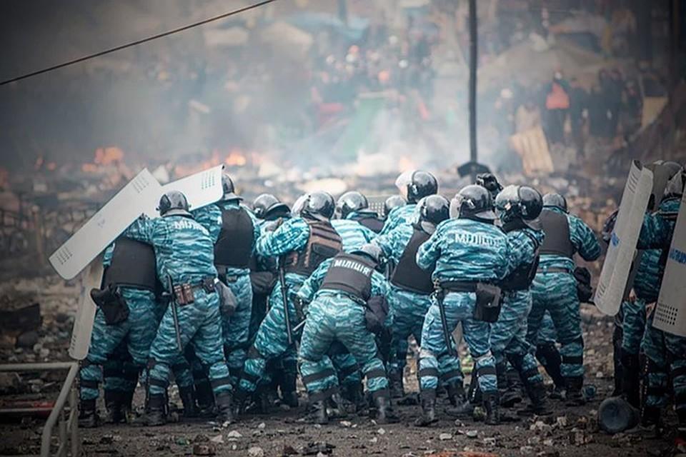 Беркутовцев, обвиняемых в терроризме, передали в Донбасс. Фото: Фейсбук / Донбасс сегодня