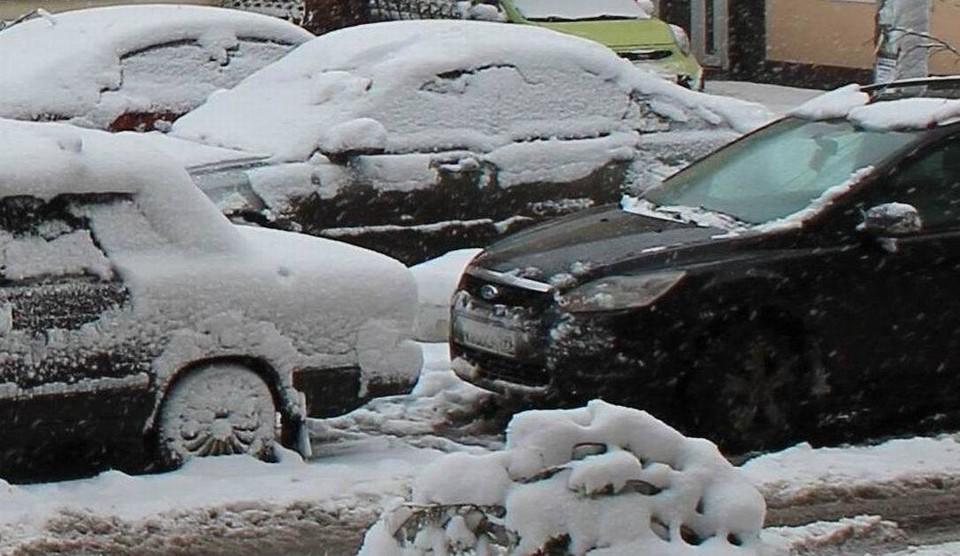 Парковка в центре Рязани в последнее время почти везде или запрещена, или платная