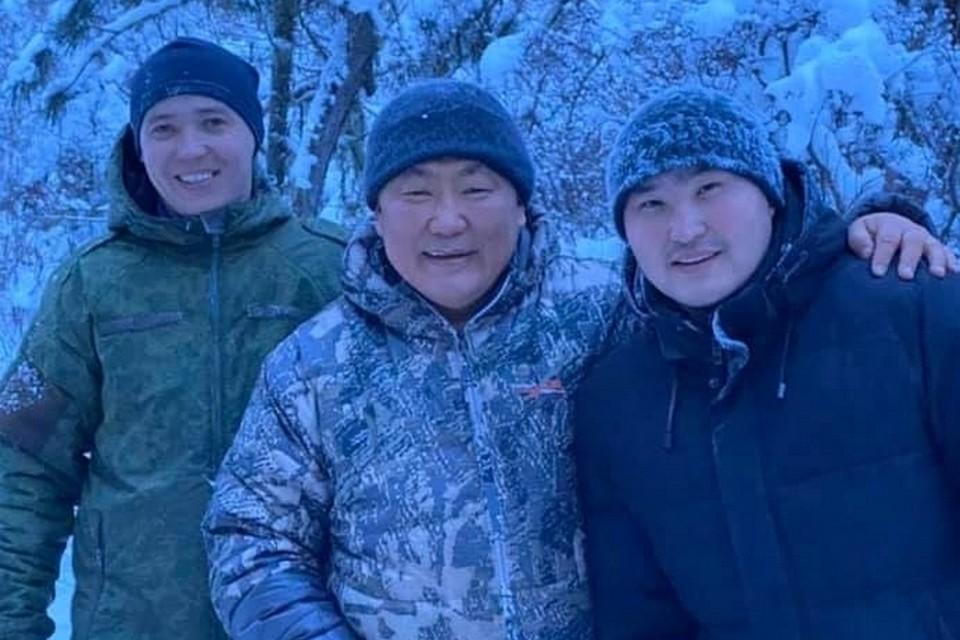 Глава Тувы в новогодние праздники выехал на облаву на волков. Фото: личная страница Шолбана Кара-оола в сцсети