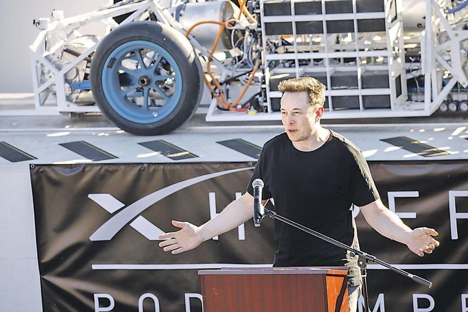 Основатель Tesla станцевал на первом заводе компании в Китае