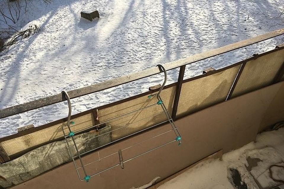 В Хабаровском крае мать забыла собственного ребенка на холодном балконе