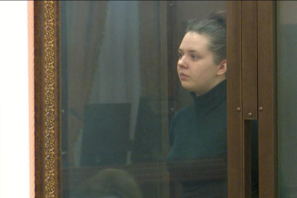 Состоялось судебное заседание по делу Марии Пленкиной, оставившей свою трехлетнюю дочь умирать в закрытой квартире. Фото: gtrk-vyatka.ru