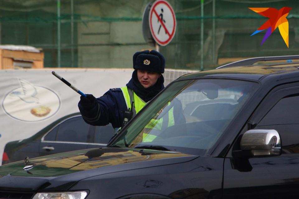 Полицейские проверят пьяных автомобилистов, водителей автобусов, нарушителей правил перевозки детей.
