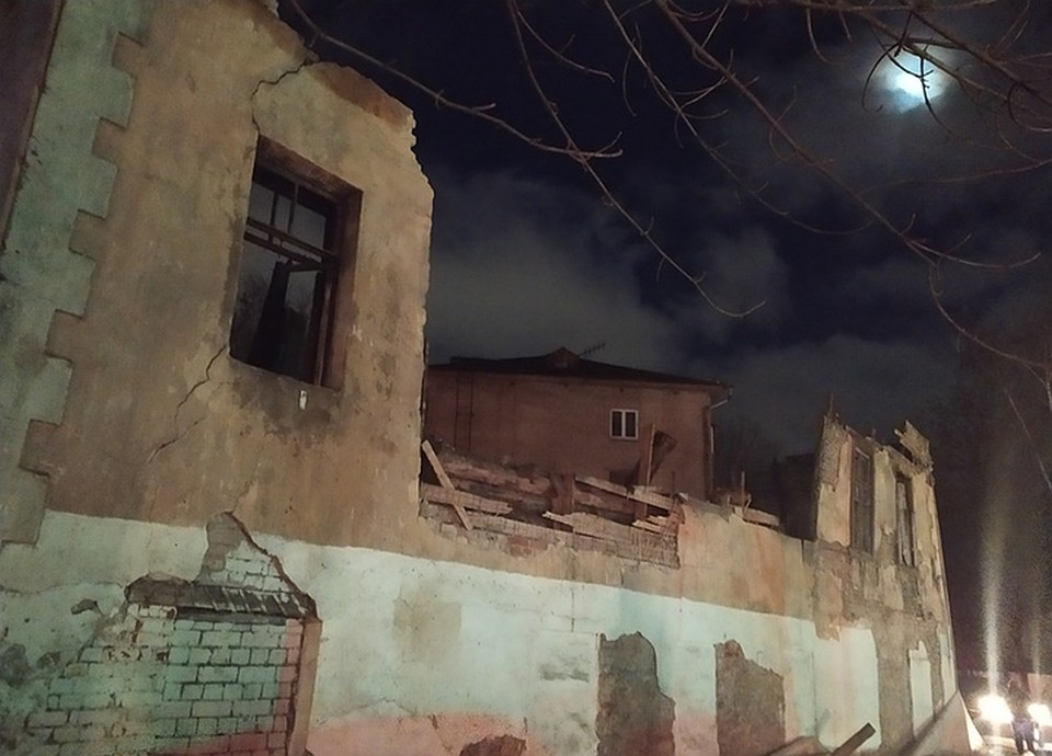 Фото: пресс-служба муниципалитета. Так здание выглядело после урагана в Псковской области в декабре 2019 года.