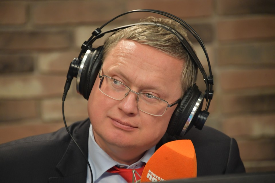Директор Института проблем глобализации Михаил Делягин на радиостанции `Комсомольская правда`.