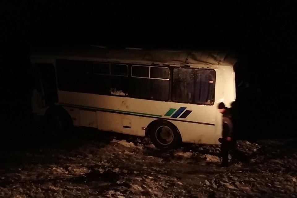 Сейчас пострадавшим оказывают помощь медики и спасатели ФОТО: ГУ МЧС Ульяновской области