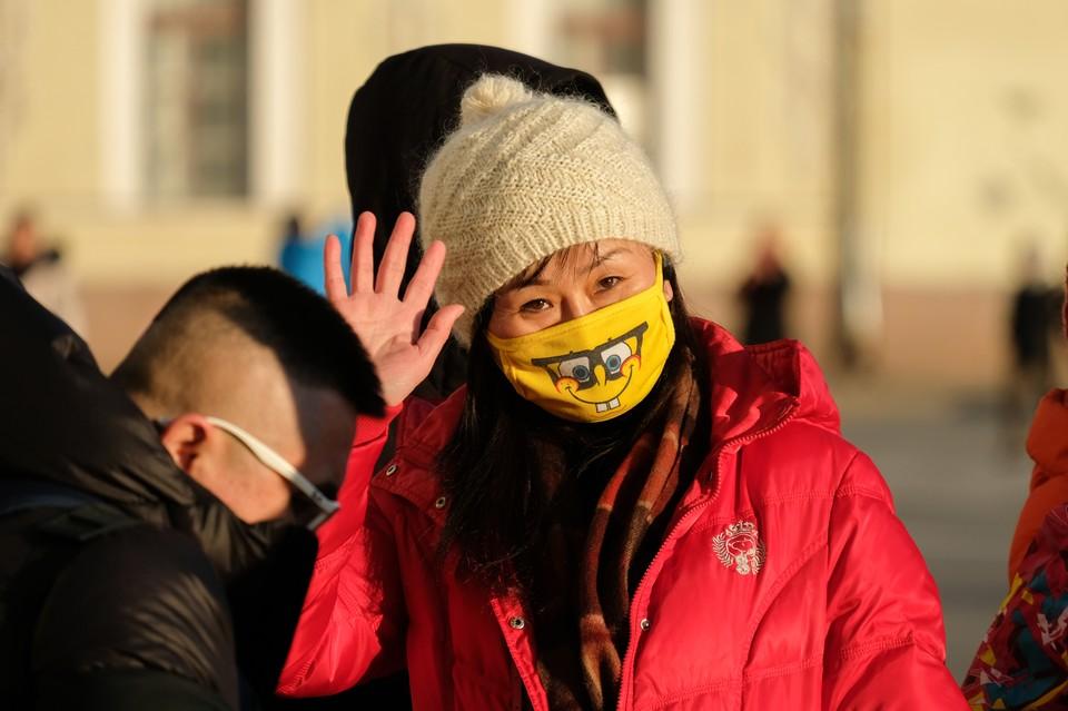 В первую очередь китайский вирус ударит по туристической индустрии. По словам экспертов, речь идет о миллиардах рублей убытков.
