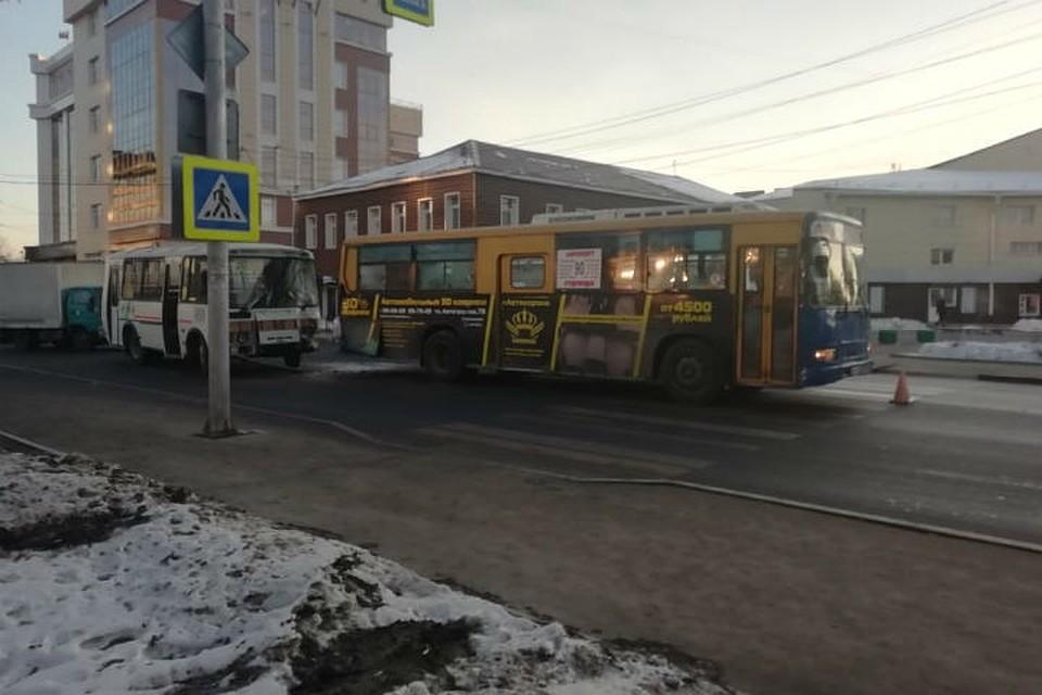 Старое фото автовокзала в иркутске вид изнутри некоторых она