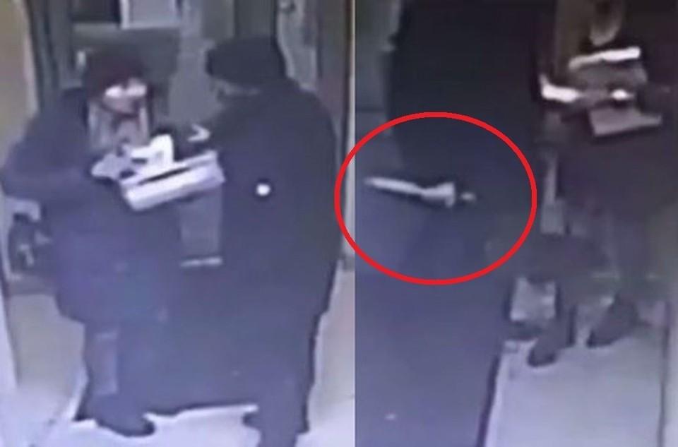 Бывший напал на сибирячку с ножом.