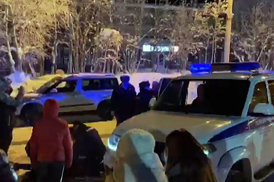 Родителей подростков, напавших на полицейских, наказали рублем. Фото: ХибИнформБюро