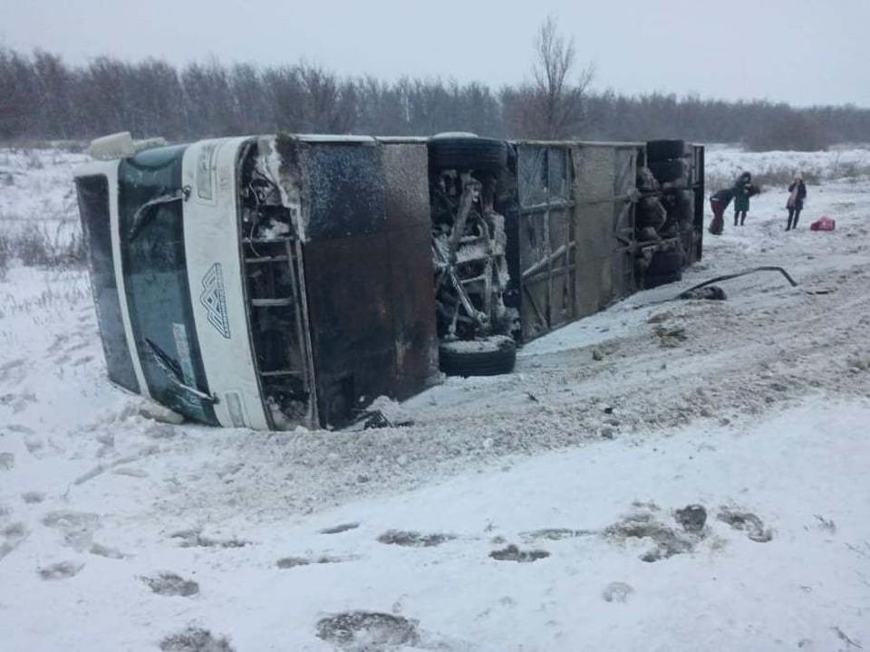Автобус ехал в Пятигорск, но в Камышинском районе попал в ДТП.