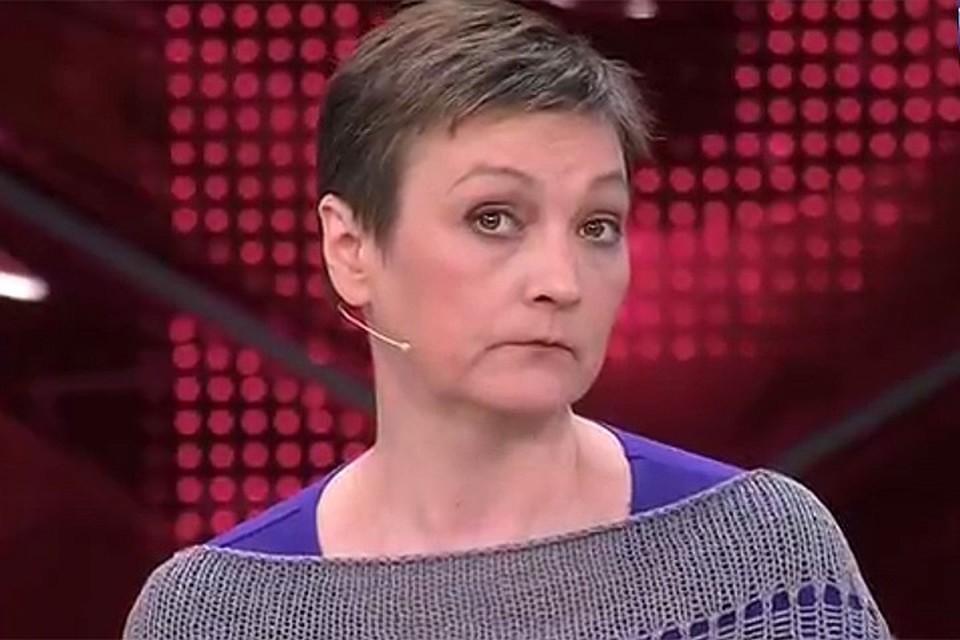 48-летняя Ксения Качалина все больше спивается и ведет затворнический образ жизни.