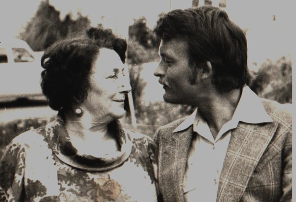 Константин Юченков с мамой, актрисой Ириной Константиновной Браун, в Сочи. Фото: из архива Ирины Андриановой