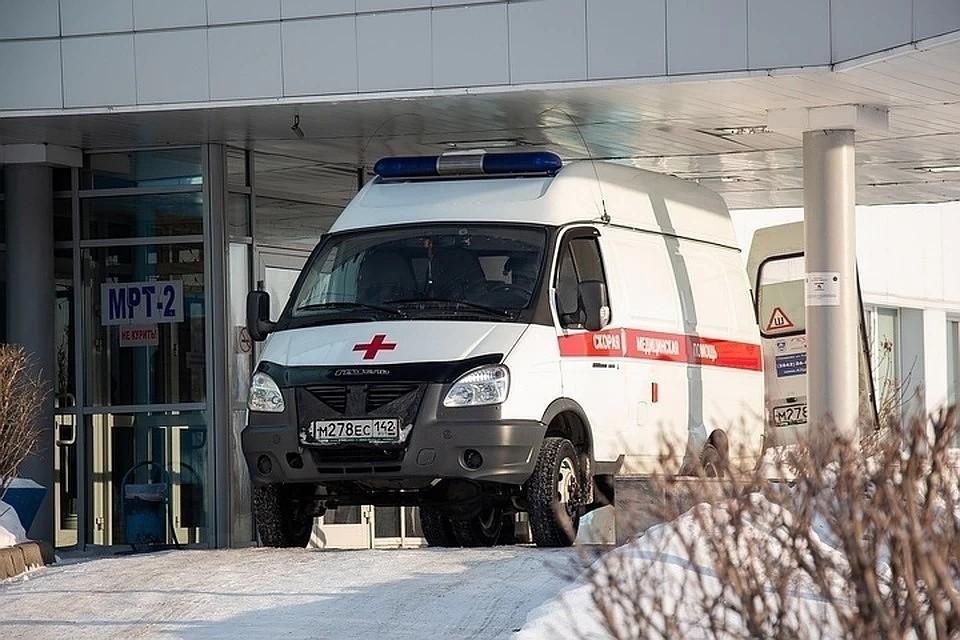 Водитель фуры погиб после столкновения с автобусом на трассе Кузбасса