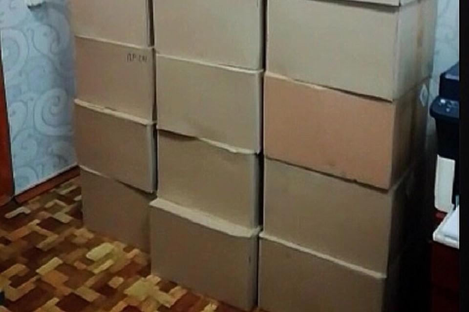 20 коробок с 6 000 пачками поддельных сигарет изъяли на КПП в Иркутской области