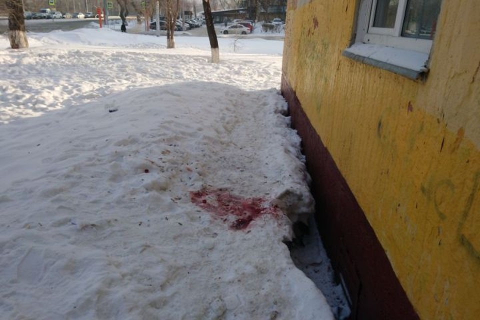 Тело с отверткой в глазу: появились фото и видео с места преступления. ФОТО: Сергей Исаев