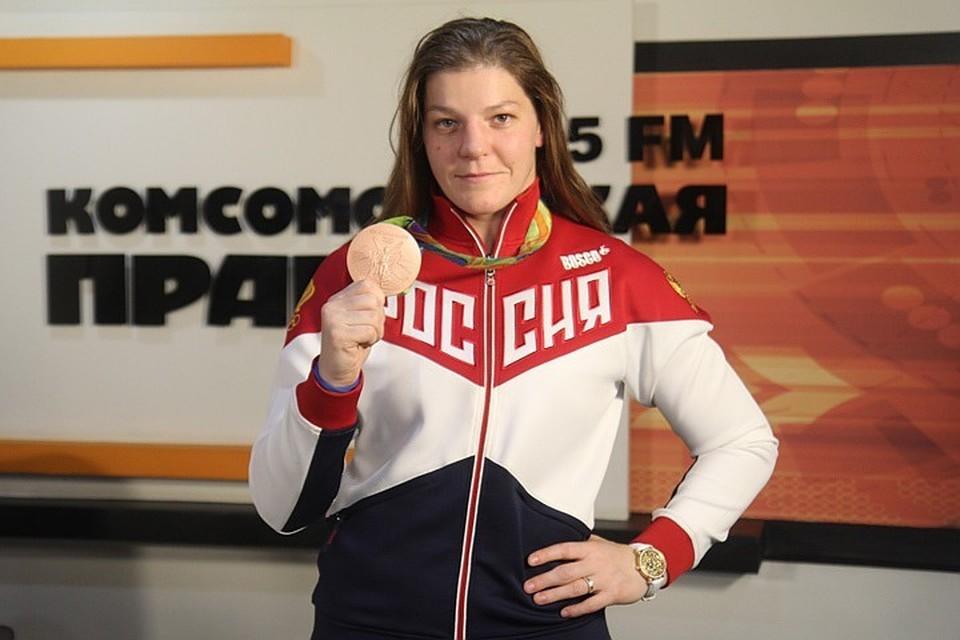 Сибирячка Екатерина Букина завоевала золотую медаль на чемпионате Европы по вольной борьбе.