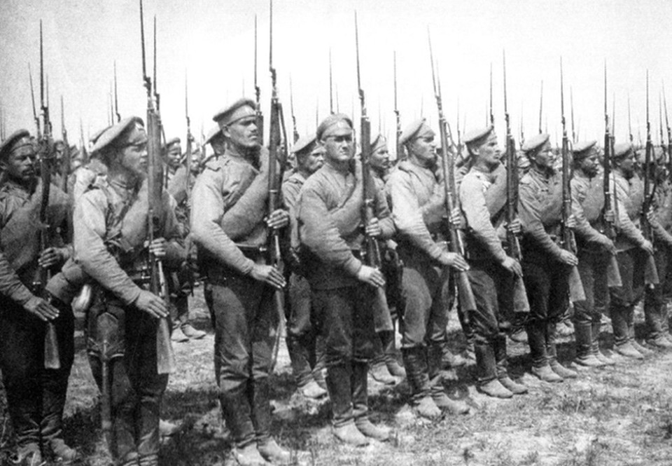 Солдаты времен Первой мировой – те самые рекруты, набранные по мобилизации, и среди них было немало белорусов. Фото: Архив «КП»