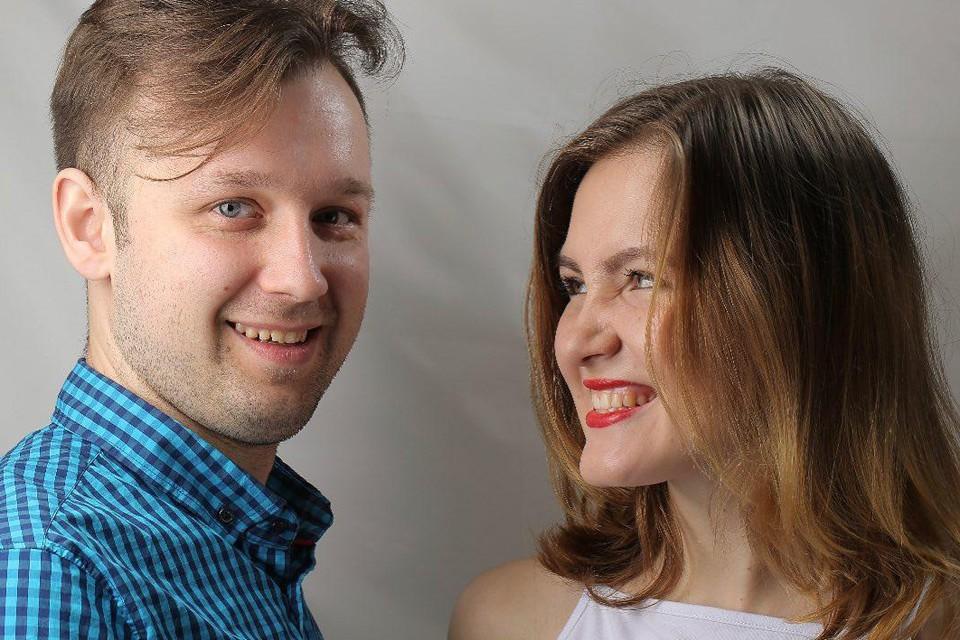 """Автор блога """"Не Норм Пара"""" Наталья Монакова и ее молодой человек Андрей Бойко."""