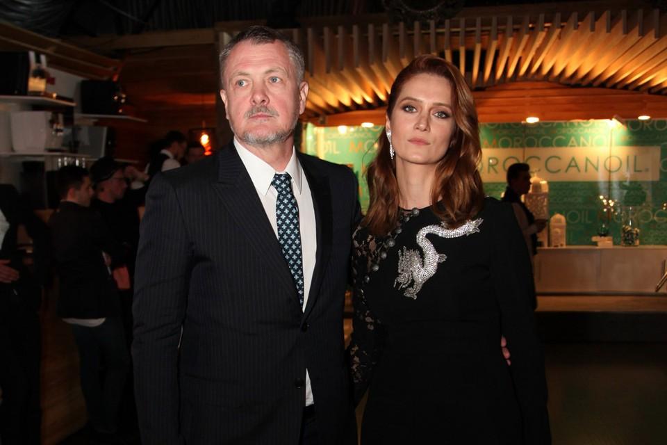 """Звезда фильма """"Охота на пиранью"""" 17 лет счастлива в браке с режиссером Юрием Морозом."""