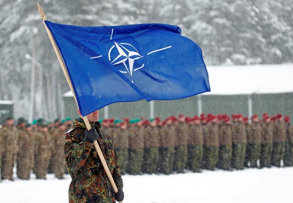 В маневрах примут участие около 40 военнослужащих стран НАТО