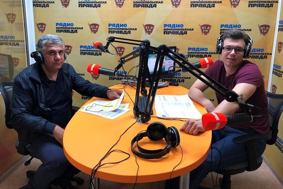 Баграт Баграмян слева, Егор Казаков справа