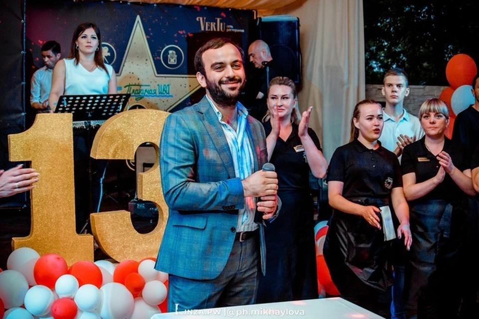 Турал Мурадович в каждое свое заведение вкладывает душу, он и сам – душа компании. Фото: Медиапортал «Линза»