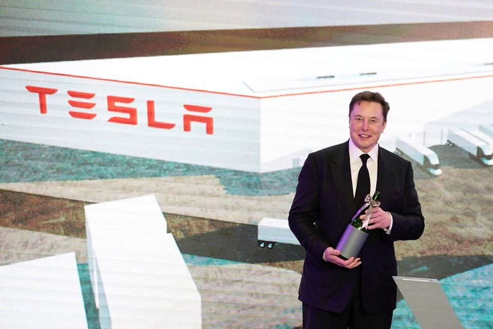 С 23 марта компания Илона Маска прекращает производство электромобилей и солнечных батарей.