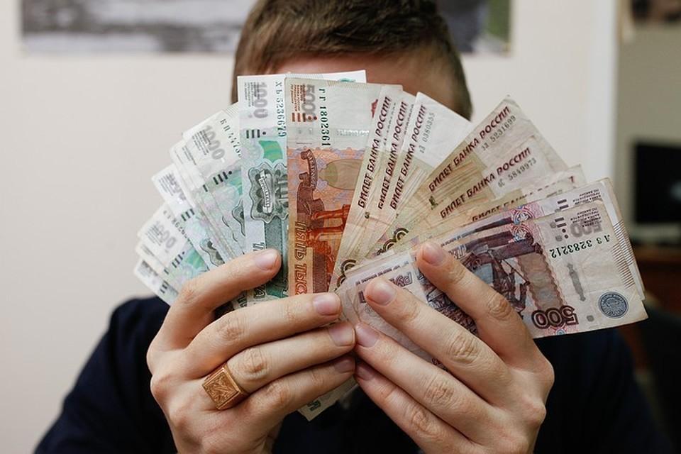 Деньги бумажные, тем более старые – аккумулятор не только коронавируса, а вообще всего, уверен эксперт