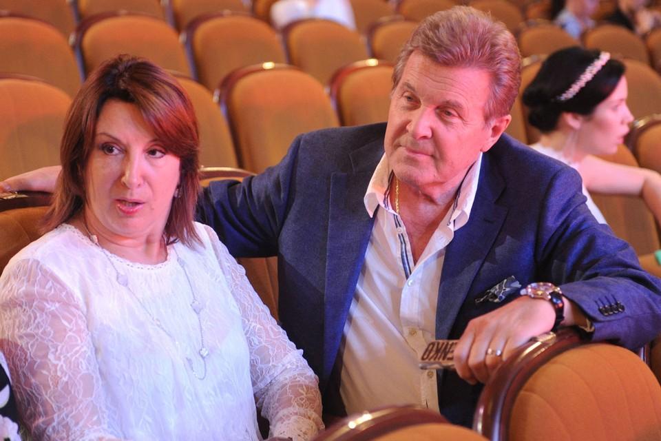 Лев Лещенко и его супруга Ирина Багудина госпитализированы в инфекционную больницу в Коммунарке.
