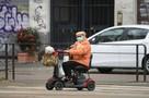 Экология, излучение от мобильной связи или большое число долгожителей: Почему коронавирус сильнее всего ударил по Италии