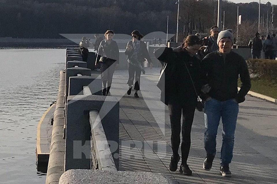 Андрей Аршавин прогулялся по набережной с новой девушкой