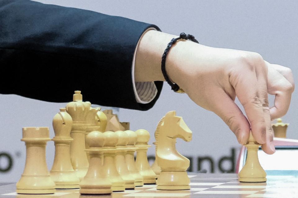 Матч за шахматную корону приостановлен из-за карантина по коронавирусу