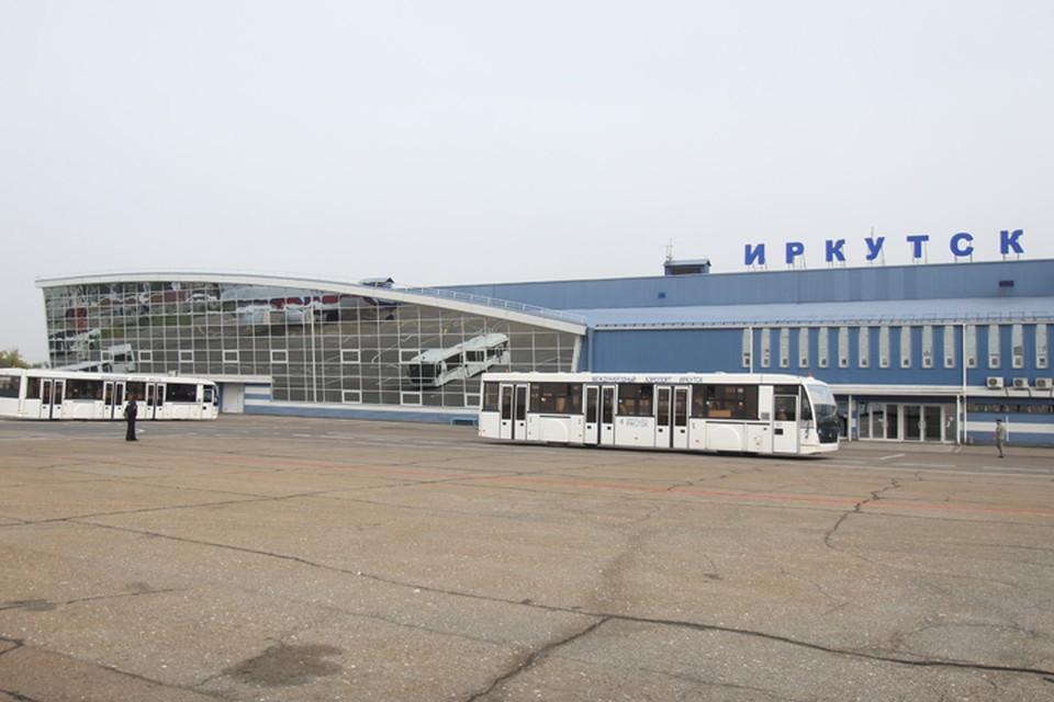 Ан-148 вернулся в аэропорт Иркутска из-за отказа двигателя