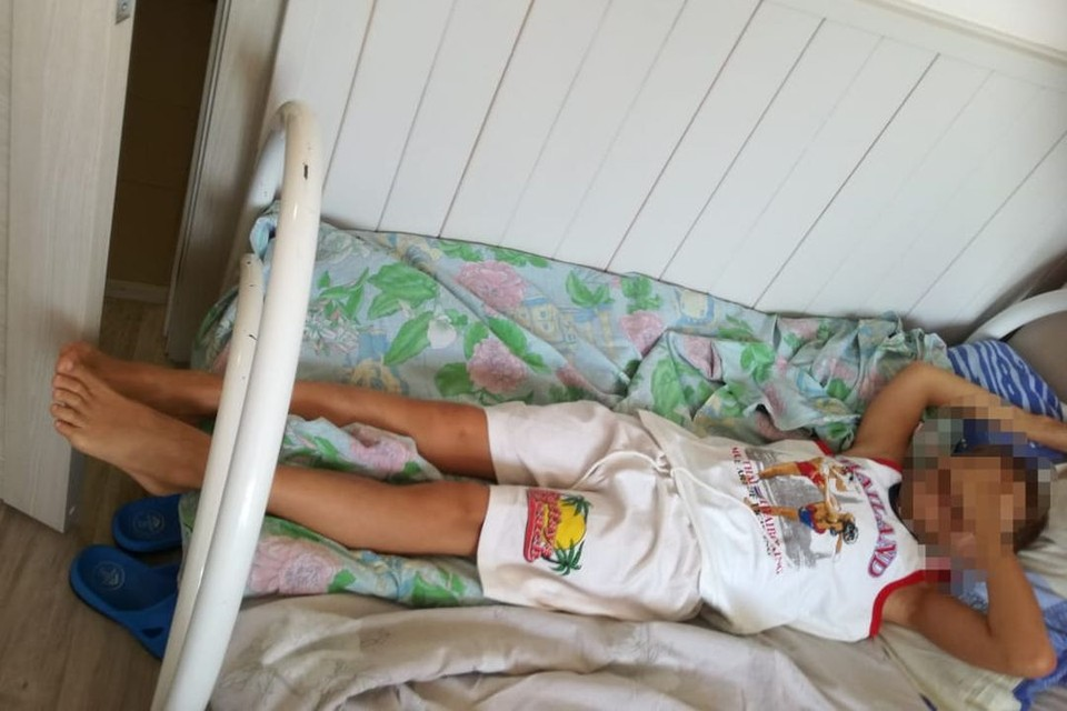 Кровать для ребенка оказалась немного не по размеру. Фото: личный архив.