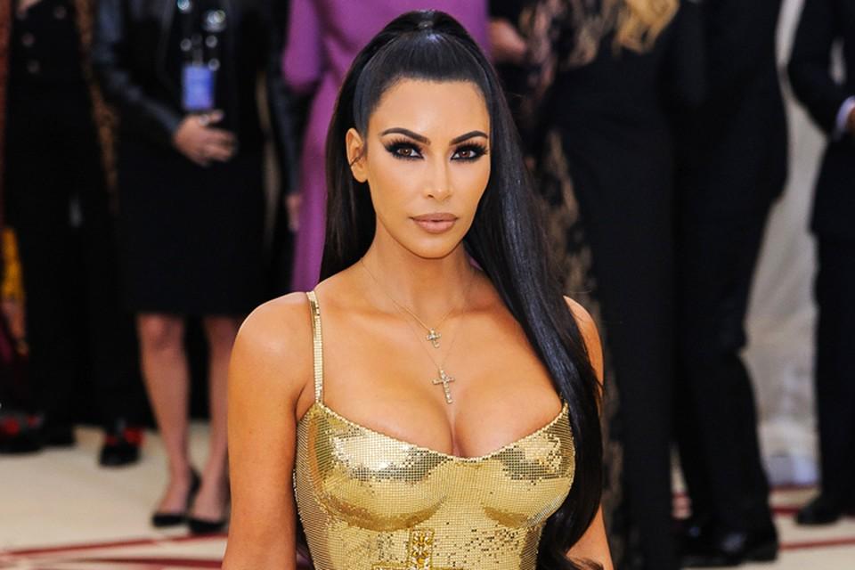 Ким Кардашьян знает, как возбудить любопытство публики.