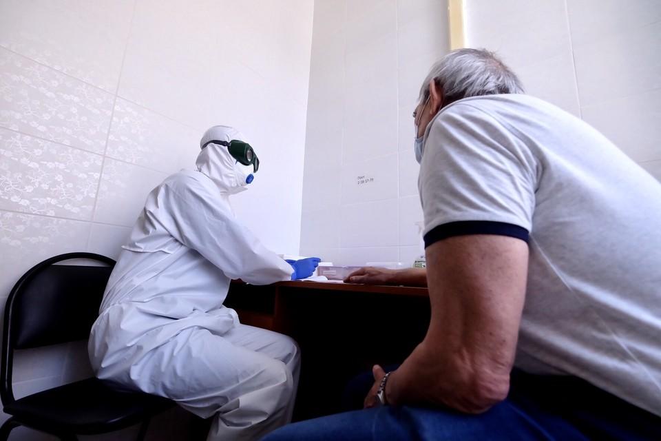 Врачи объяснили, может ли человек вновь заразиться коронавирусом. Фото: минздрав НСО.