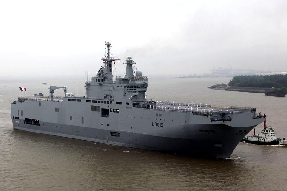 После провала сделки с французами, отказавшимися после присоединения Крыма продавать России два заказанных вертолетоносца типа «Мистраль», наши флотские адмиралы не слишком-то и загрустили