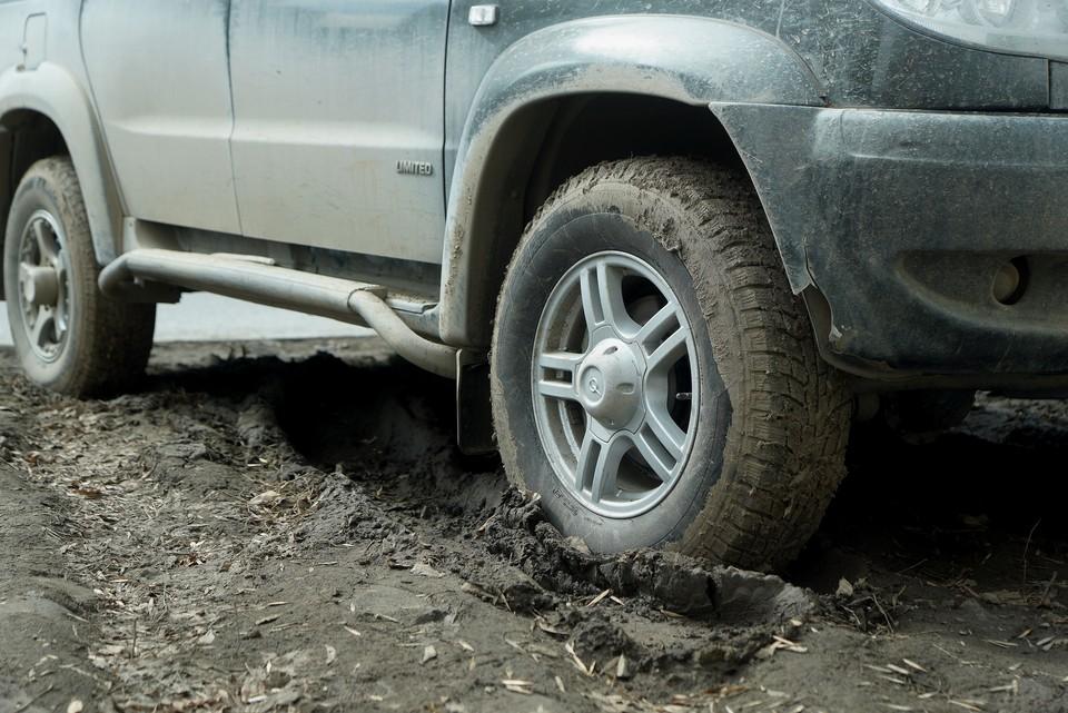 Автомобилисты бьют тревогу: из-за самоизоляции в Челябинской области некуда поставить машины