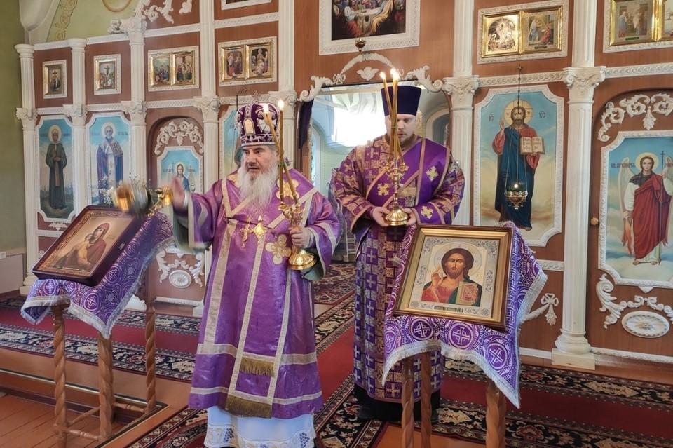 Архиепископ Соликамский и Чусовской Зосима отказался закрывать храмы из-за угрозы коронавируса. Фото: vk.com/solikamskeparh
