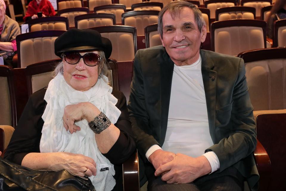 Недавно 81-летняя актриса Лидия Федосеева-Шукшина призналась, что не живет под одной крышей с мужем, продюсером группы «На-на» Бари Алибасовым.
