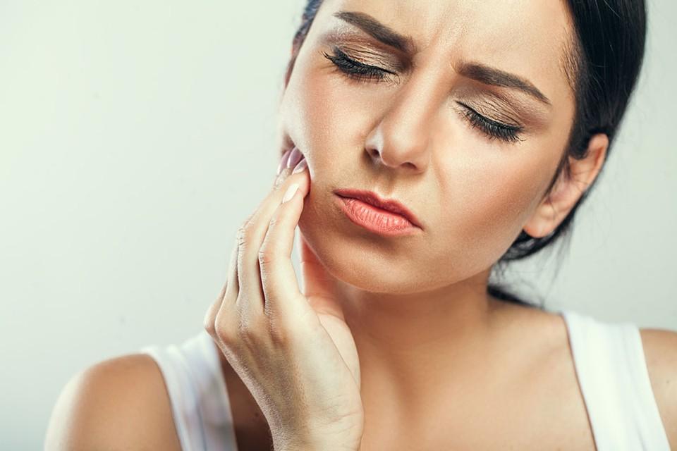 На самоизоляции нас одолевает множество страхов. И один из них — а если заболит зуб?