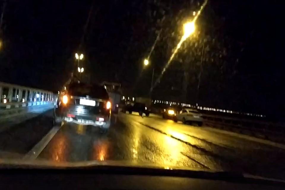 На Киевском шоссе одновременно столкнулись 19 машин. Фото: кадр с видео: vk.com/spb_today