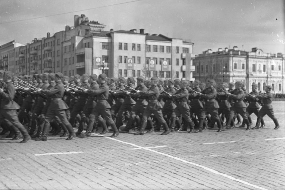 Братья Логачевы были призваны на защиту Родины, как и миллионы других молодых людей в годы войны. Фото: Государственный архив Свердловской области