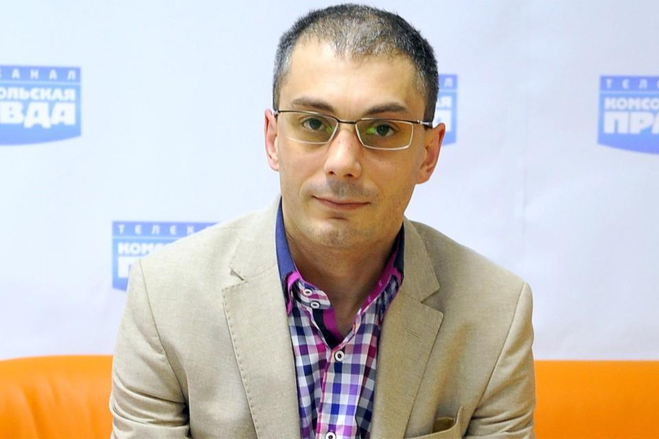 """Историк Армен Гаспарян в редакции """"Комсомолки""""."""