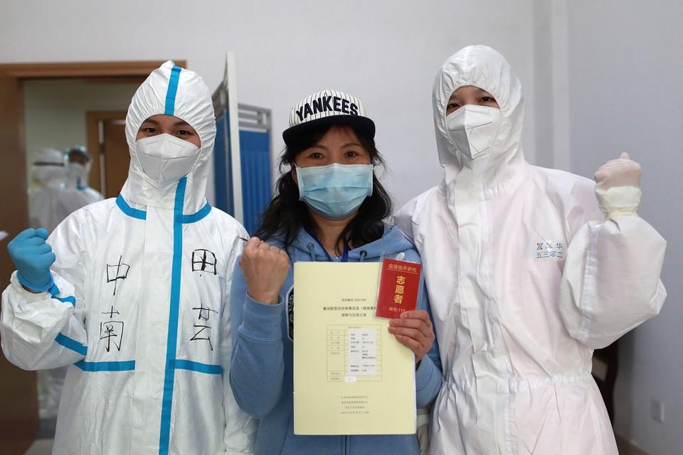22 января представители ВОЗ официально заявили, что в Ухане вспыхнула эпидемия неизвестного штамма коронавируса, который передается от человека к человеку.