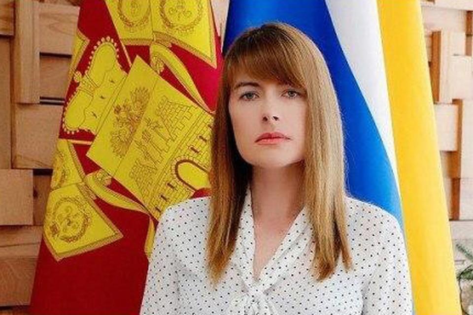 Екатерину Демченко уволили после того, как она побывала на майской тусовке во время карантина.